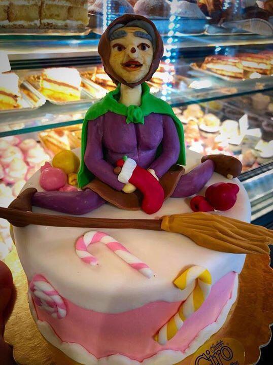 """""""Pasticceria Chalet Ciro: Cake Design Per Celebrare La Befana"""""""